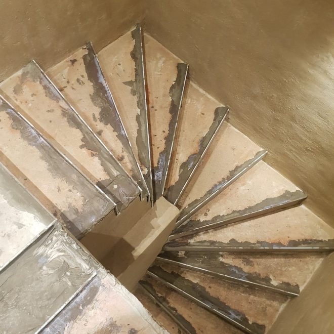 Escaliers en travaux